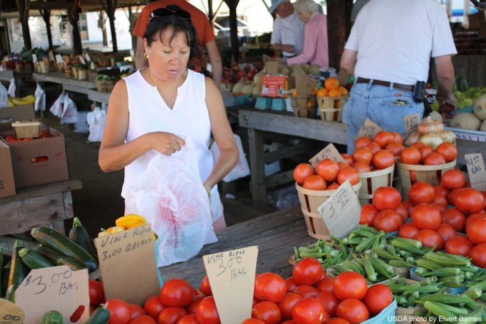 USDA Farmers Market Photo